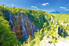 Transferência privada de Zagreb para Split com parada nos lagos Plitvice