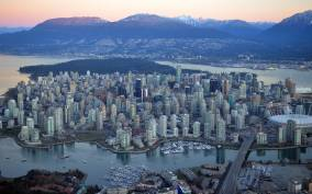 Vancouver: Private Tour with a Local