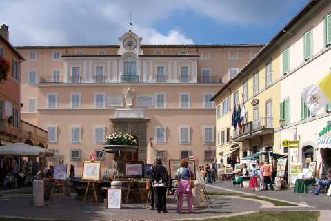 From Rome: Castelgandolfo & Pontifical Villas