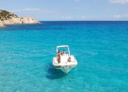 Cagliari: Geheime Höhlen von Chia & Teulada per Jeep & Boot