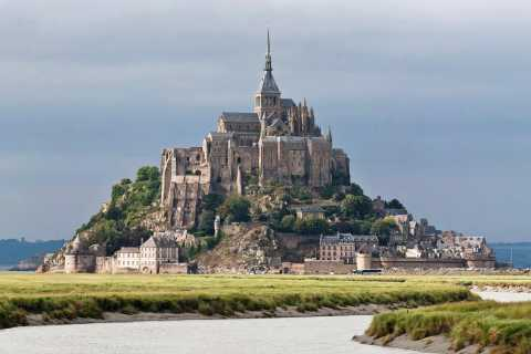 Paris: Small Group Tour to Mont St-Michel & Honfleur