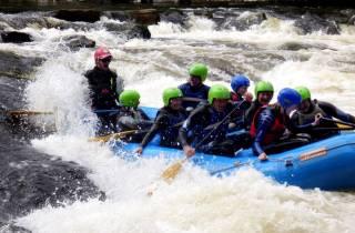 Edinburgh White Water Rafting und Whiskey Tasting