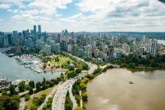 Panorama extendido de Vancouver por hidroavião