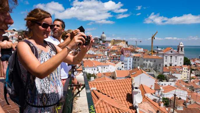 Lisbon Essential Tour: History, Stories & Lifestyle