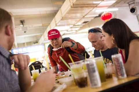 Singapore: 3.5-Hour Chinatown Food Adventure