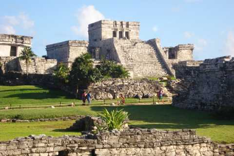 Half-Day Private Tulum and Sak Aktun Cave Cenote Tour