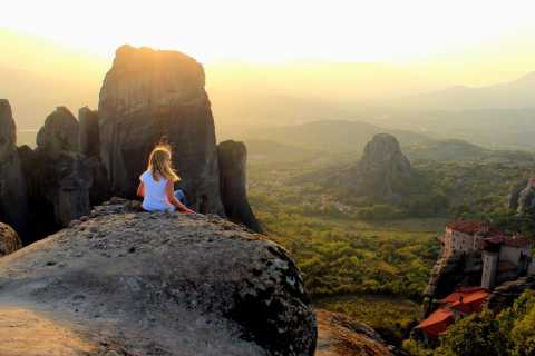 From Thessaloniki: 3 Days in Meteora including Tours & Hotel