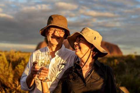Ab Alice Springs: Tagestour Uluru mit Barbecue-Abendessen