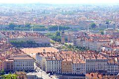 Tour de passeio privado personalizado em Lyon com um guia local