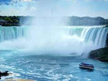 Ab Toronto: Tagestour zu den Niagarafällen mit Bootsfahrt