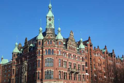 Hamburg: Speicherstadt and Hafencity Guided Tour