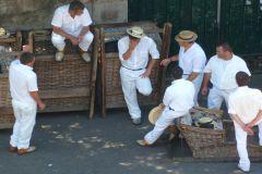 Curral das Freiras, Monte e Carro de Cesto saindo do Funchal