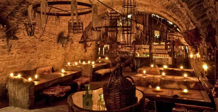 Prague: Medieval Dinner with Unlimited Drinks