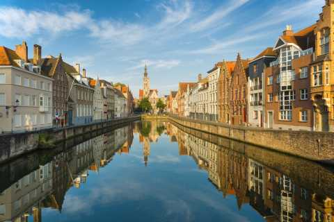 From Amsterdam: Day Trip to Bruges in Spanish or English