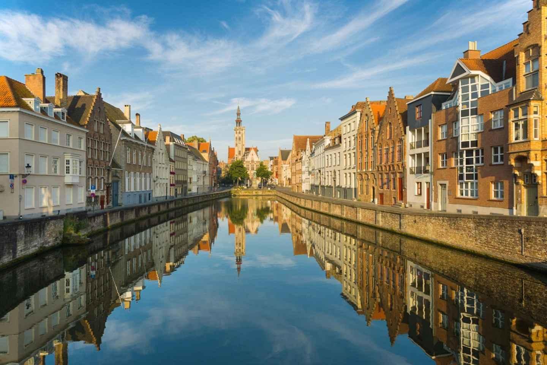 Ab Amsterdam: Tagesausflug nach Brügge auf Spanisch/Englisch