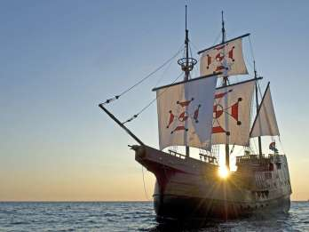 Dubrovnik: Bootsfahrt bei Sonnenuntergang mit Abendessen