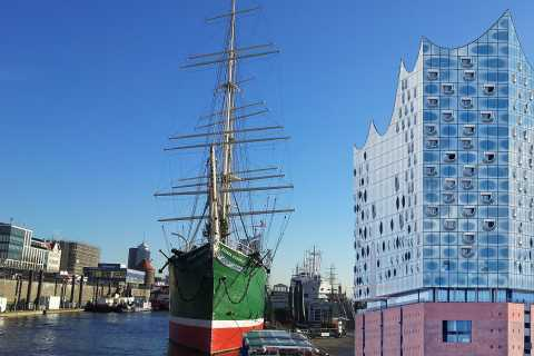 Elbphilharmonie Tour without Concert Halls & Harbor Cruise