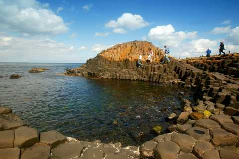 From Belfast: Full-Day Giant's Causeway Shore Excursion