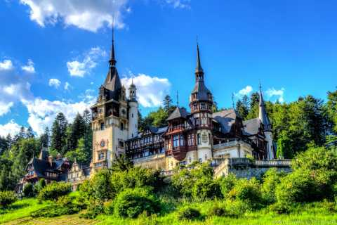 Desde Bucarest: tour prémium a castillos de Drácula y Peles