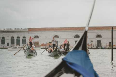 Venice: 2-Hour Private Photo Shoot with Gondola Ride