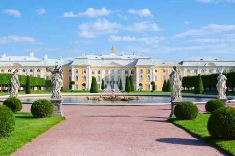 St. Petersburg: 2-Day Relaxed Group Shore Excursion
