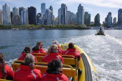 Aventura Turística em Barco Inflável pelo Porto de Vancouver