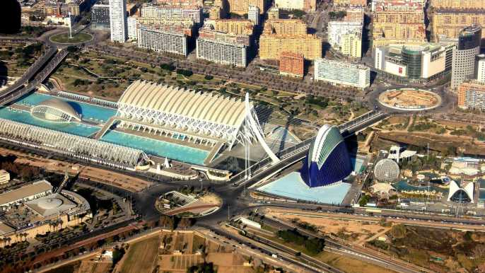 Welcome to Valencia: Private Tour with a Local Host
