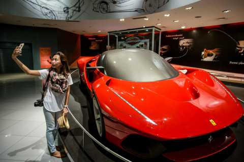 From Dubai: Abu Dhabi Day Tour with Ferrari World Ticket