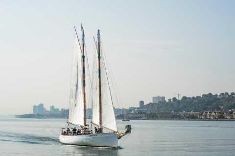Nova York: Vela da Tarde da Folhagem de Outono do Rio Hudson
