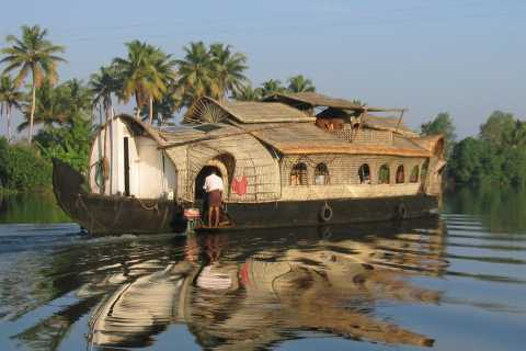 Kochi: Private Backwater Houseboat Day Cruise with Transfers