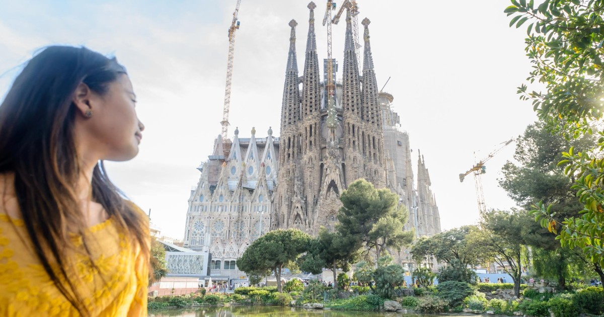 Barcelona Sagrada Familia Guided Tour With Tower Access Barcelona Spain Getyourguide