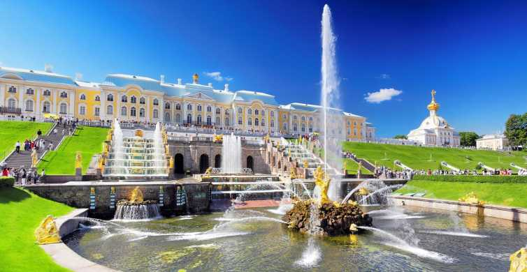 Peterhof Palace and Parks: Private Tour from St. Petersburg