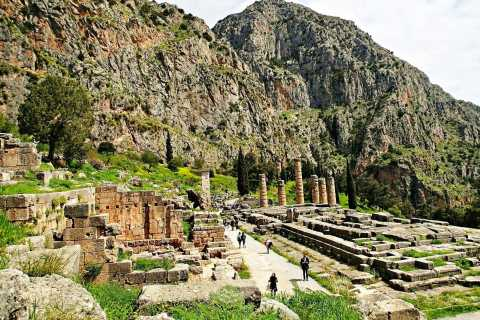 From Athens: Delphi Private Tour with Lunch