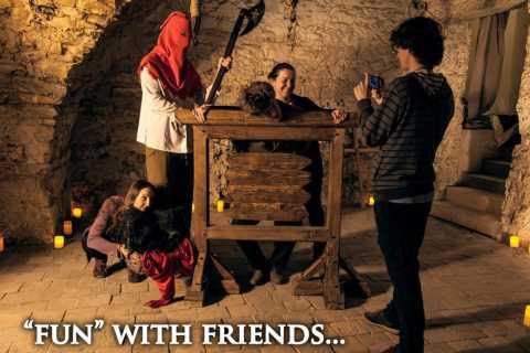 Prague: Ghost, Legends & Dungeon 1-Hour Walking Tour