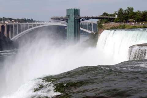 2-Day Niagara Falls and Shopping Trip from New York City