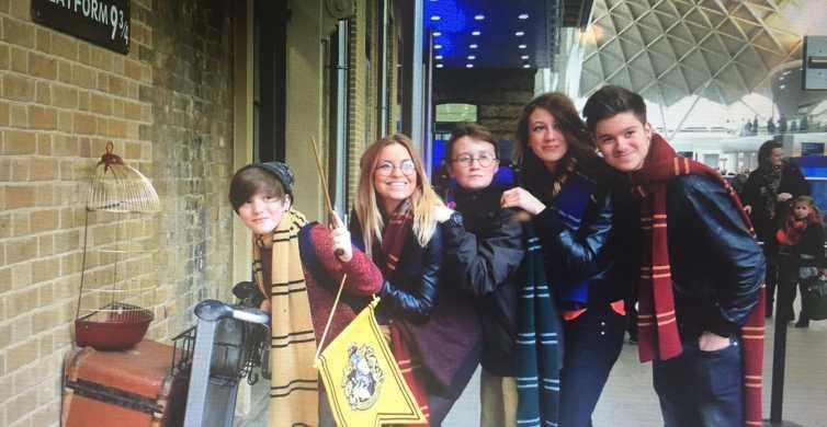 Londen: Harry Potter & Fantastic Beasts met platform 9 ¾