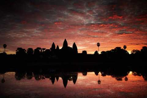 From Siem Reap: 2-Day Small Group Temples Sunrise Tour