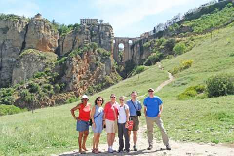 Desde Cádiz: tour de 1 día a Ronda y Setenil de las Bodegas