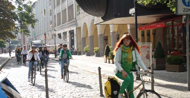 Berlin: Winter Special Guided Highlights Bike Tour