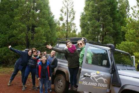 Terceira Island: 4x4 Land Rover Tour with Traditional Lunch