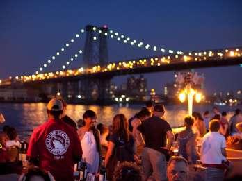New York: Hafenrundfahrt bei Nacht ohne Anstehen