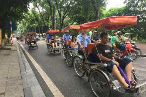 Hanoi Old Quarter: 1-Hour Cyclo Tour