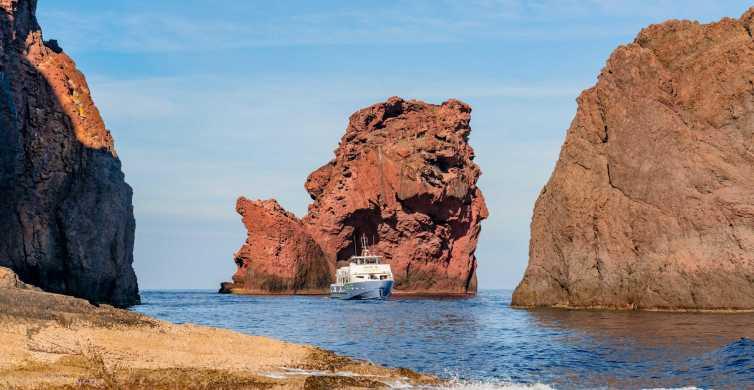 Corsica: crociera in barca da Porto a Scandola e Girolata