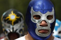 Acapulco: Lucha Libre Experience & Tacos Dinner w / Beer