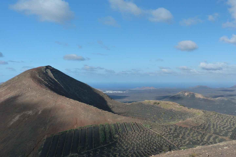 Lanzarote: Wanderung durch die Weinlandschaft von La Geria