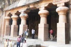 Mumbai: Ancient Elephanta Caves Tour w / Ride of Toy Train