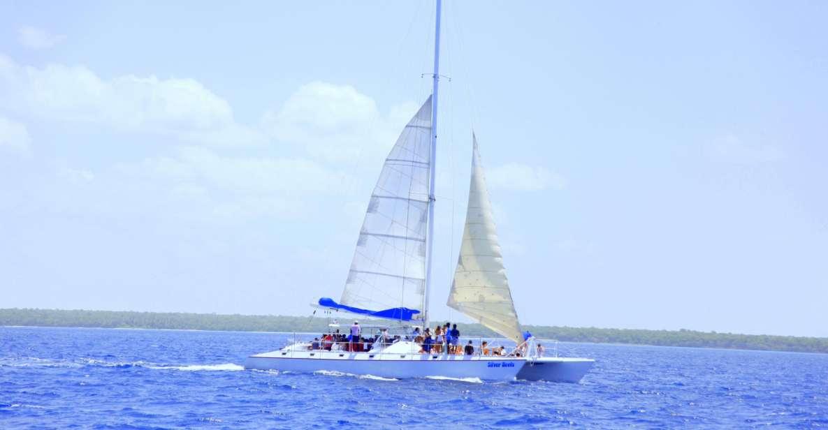 Punta Cana: Saona Island and Altos de Chavón Day Trip