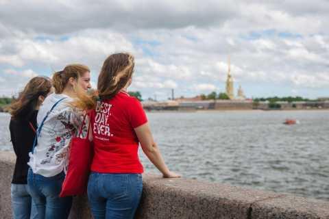 St. Petersburg: Visa-Free Best of Shore Tour