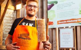 Budapest: Authentic Food Tour with Tastings