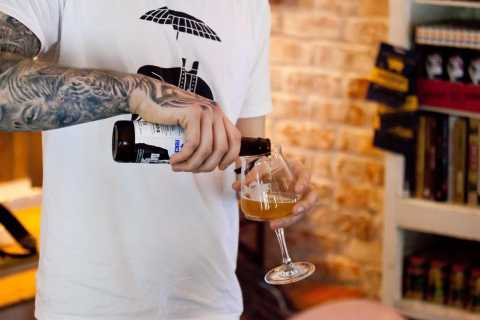Edinburgh: Old Town Beer Walking Tour and Tasting